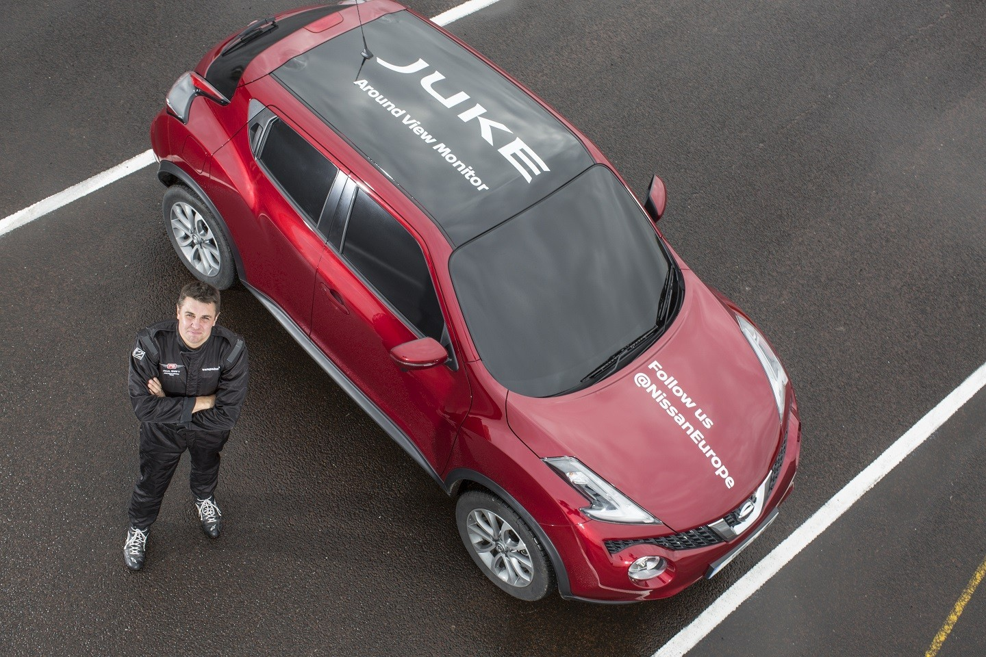 Nissan Juke uses onboard cameras to set world first blind J-turn record